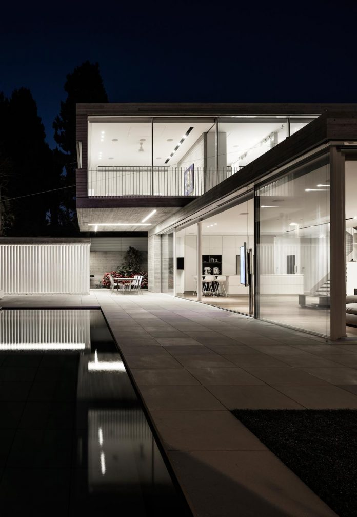 dual-house-modern-duplex-house-located-small-neighborhood-north-tel-aviv-16