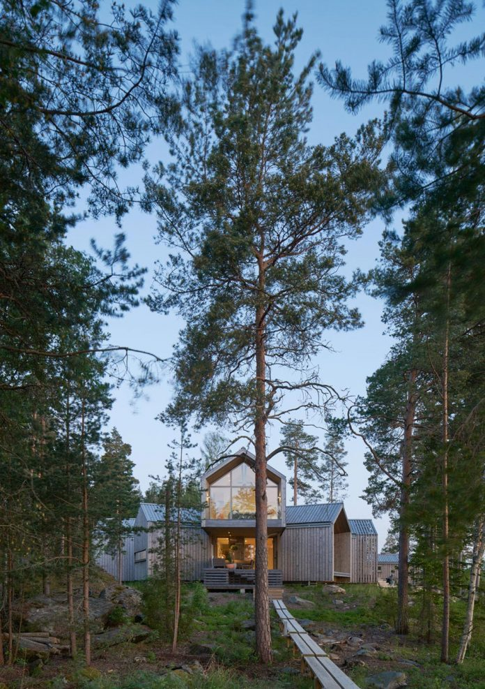 family-house-north-facing-triangular-promontory-overgrown-pine-blueberry-bushes-covered-large-boulders-27