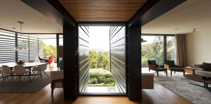 fox-johnston-architects-design-balmoral-house-set-hills-mosman-suburb-sydney-12