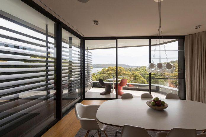 fox-johnston-architects-design-balmoral-house-set-hills-mosman-suburb-sydney-13