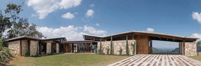 gozu-house-located-natural-environment-2200-m-7218-ft-altitude-el-retiro-colombia-02