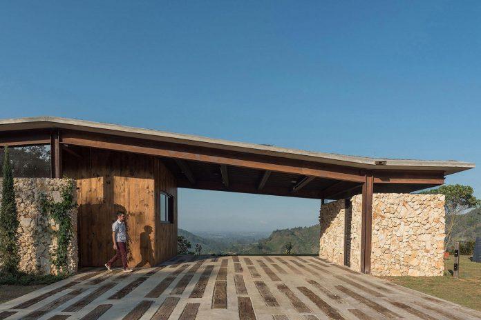 gozu-house-located-natural-environment-2200-m-7218-ft-altitude-el-retiro-colombia-04