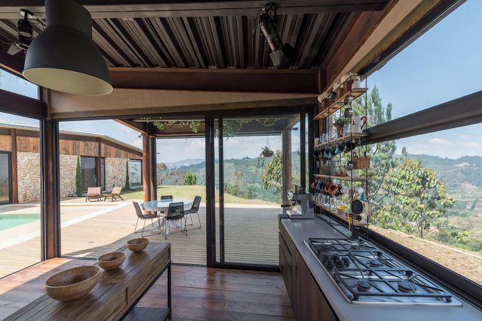 gozu-house-located-natural-environment-2200-m-7218-ft-altitude-el-retiro-colombia-10