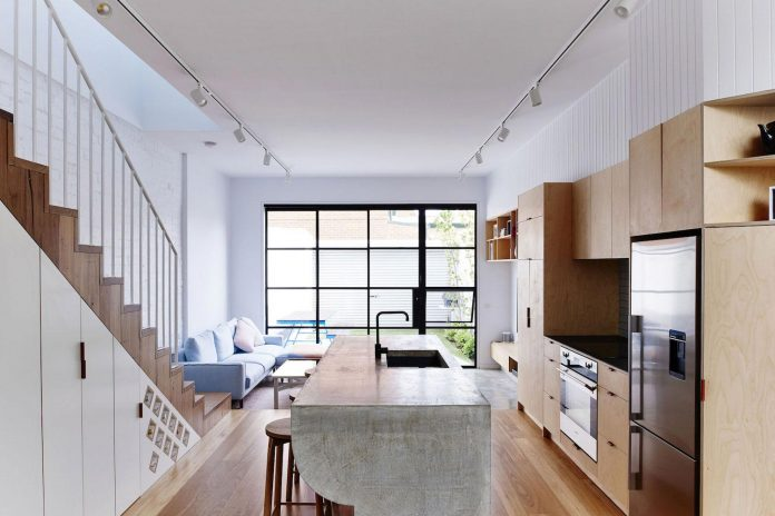 high-house-end-product-significant-renovation-sixteen-foot-wide-inner-city-terrace-05
