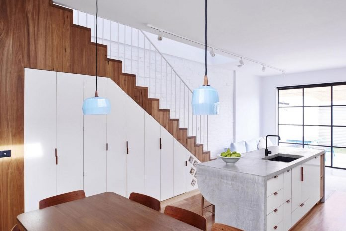 high-house-end-product-significant-renovation-sixteen-foot-wide-inner-city-terrace-06