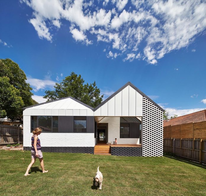 hip-gable-californian-bungalow-great-attention-roof-02