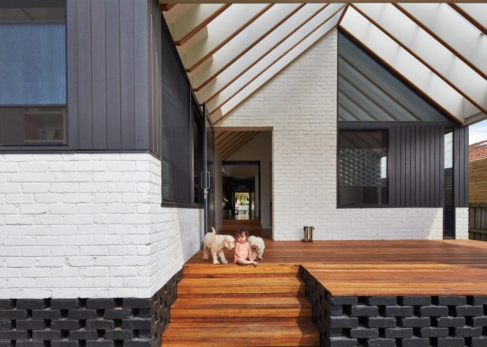 hip-gable-californian-bungalow-great-attention-roof-04