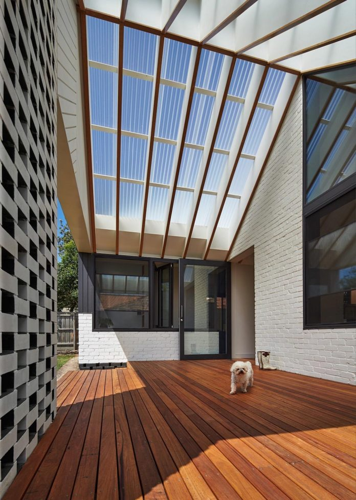 hip-gable-californian-bungalow-great-attention-roof-05