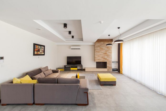 house-designed-family-eight-divided-three-plot-slope-10