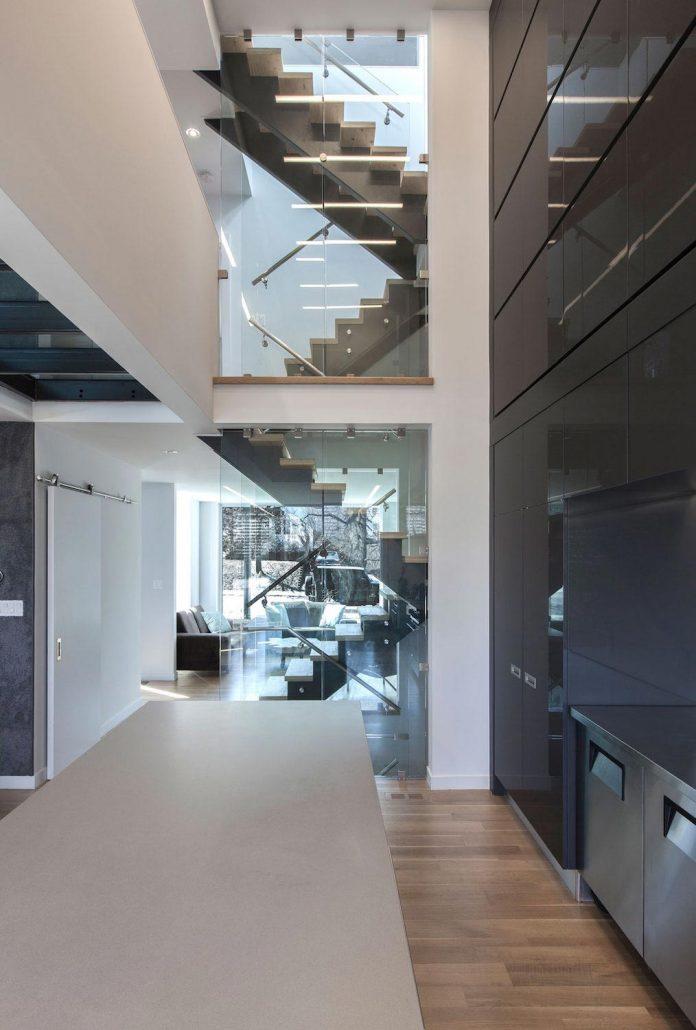 instar-house-minimalist-three-storey-wood-steel-structure-toronto-04