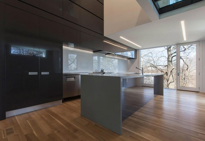 instar-house-minimalist-three-storey-wood-steel-structure-toronto-05
