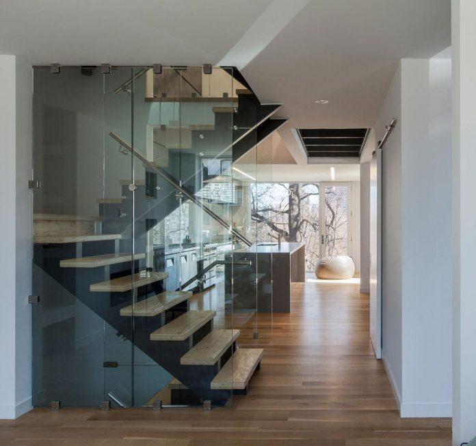instar-house-minimalist-three-storey-wood-steel-structure-toronto-06