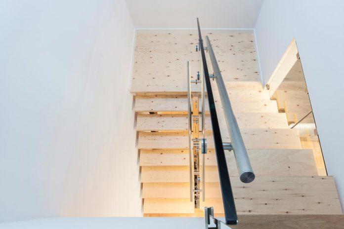 instar-house-minimalist-three-storey-wood-steel-structure-toronto-07