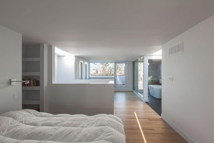 instar-house-minimalist-three-storey-wood-steel-structure-toronto-09