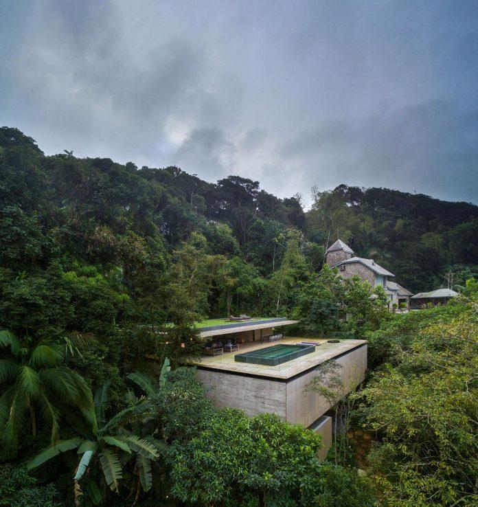 jungle-house-studiomk27-home-rain-forest-settled-mountainous-topography-dense-vegetation-02