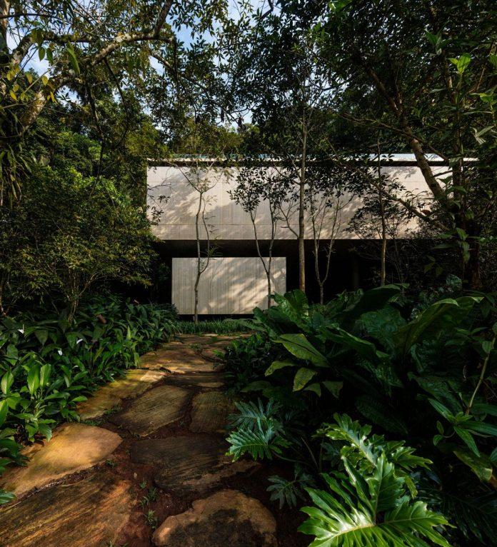 jungle-house-studiomk27-home-rain-forest-settled-mountainous-topography-dense-vegetation-05