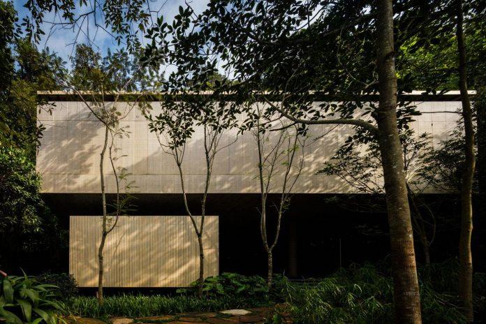 jungle-house-studiomk27-home-rain-forest-settled-mountainous-topography-dense-vegetation-06