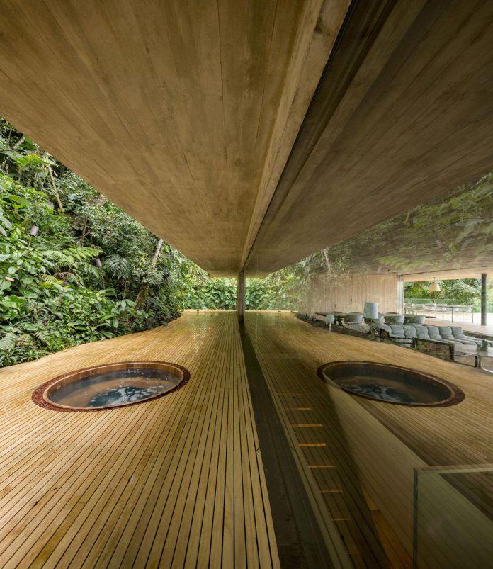 jungle-house-studiomk27-home-rain-forest-settled-mountainous-topography-dense-vegetation-08