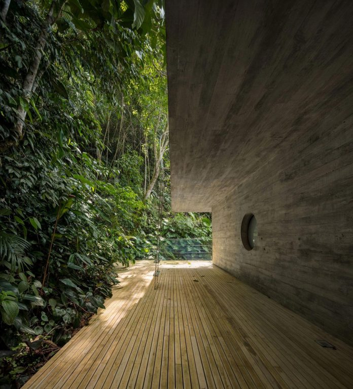 jungle-house-studiomk27-home-rain-forest-settled-mountainous-topography-dense-vegetation-09