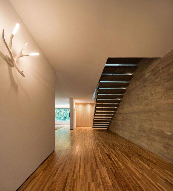 jungle-house-studiomk27-home-rain-forest-settled-mountainous-topography-dense-vegetation-23