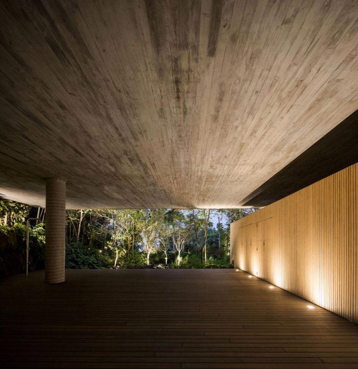 jungle-house-studiomk27-home-rain-forest-settled-mountainous-topography-dense-vegetation-38