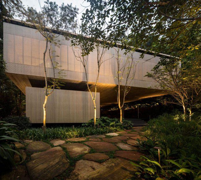 jungle-house-studiomk27-home-rain-forest-settled-mountainous-topography-dense-vegetation-39