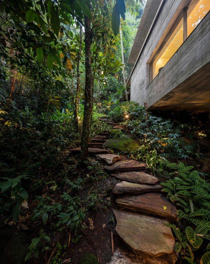 jungle-house-studiomk27-home-rain-forest-settled-mountainous-topography-dense-vegetation-40