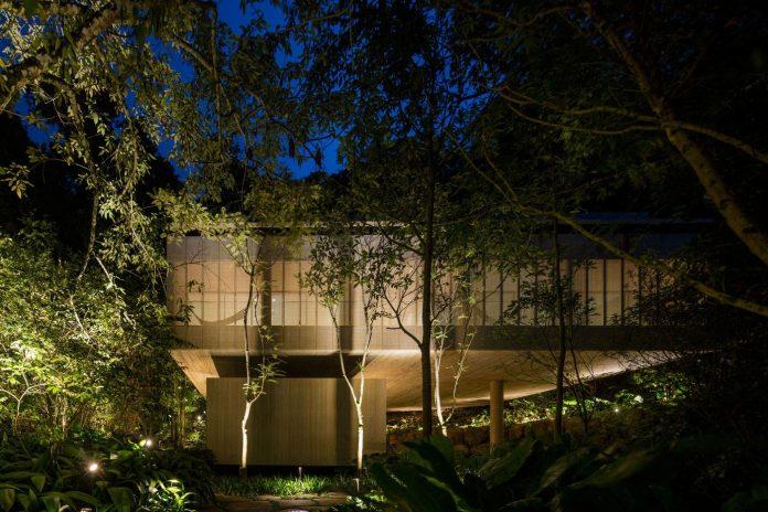 jungle-house-studiomk27-home-rain-forest-settled-mountainous-topography-dense-vegetation-42