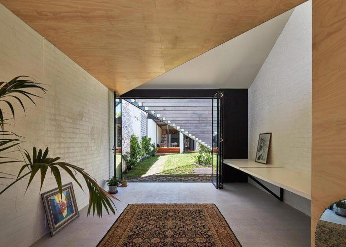 kite-contemporary-stylish-renovation-architecture-architecture-03