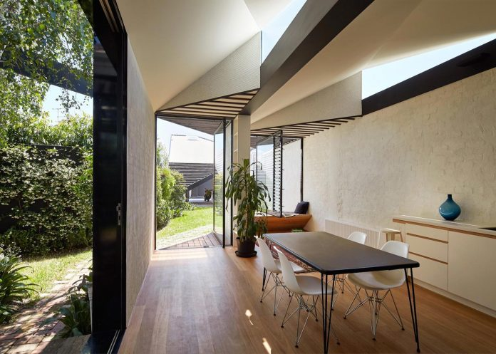 kite-contemporary-stylish-renovation-architecture-architecture-05