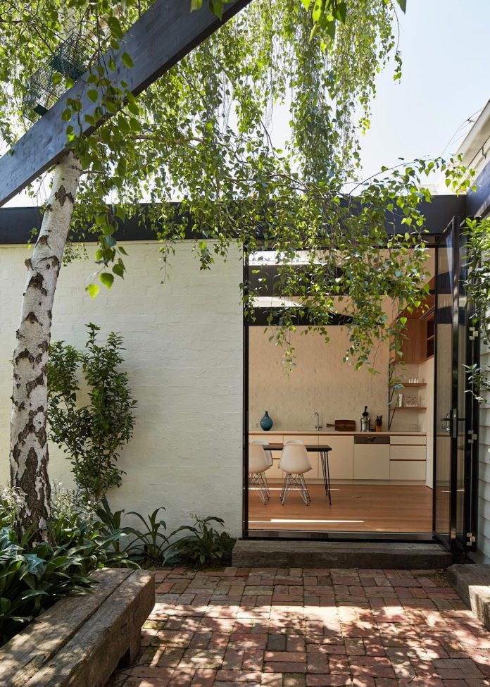 kite-contemporary-stylish-renovation-architecture-architecture-12