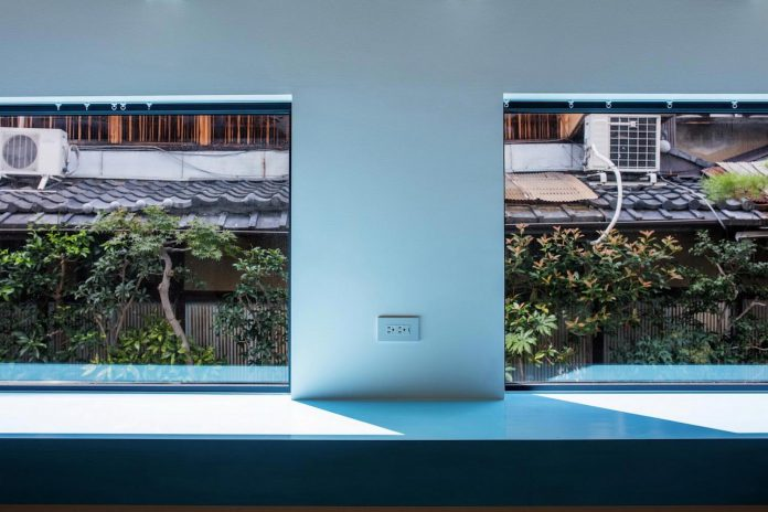 kyoto-residence-designed-enjoy-much-possible-sunlight-surroundings-big-windows-18