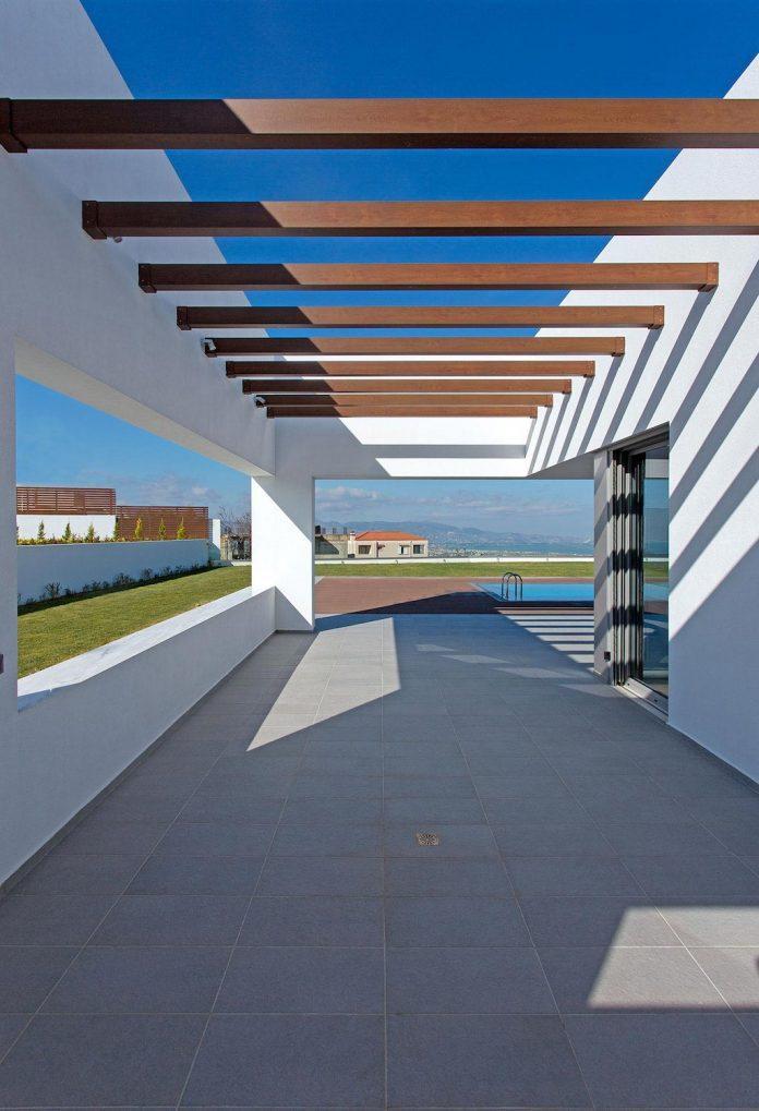 l-shaped-one-story-modern-home-crete-04