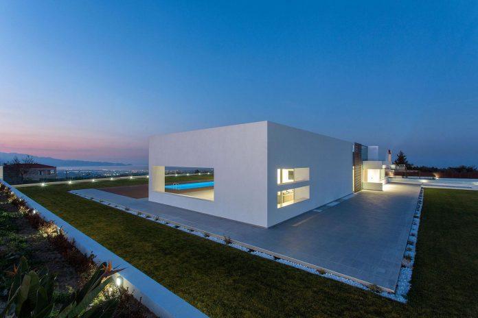 l-shaped-one-story-modern-home-crete-14