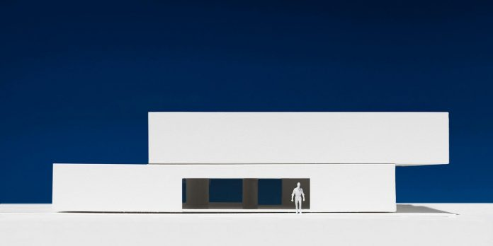 la-pinada-house-fran-silvestre-arquitectos-minimalist-contemporary-home-full-family-stories-covered-white-41