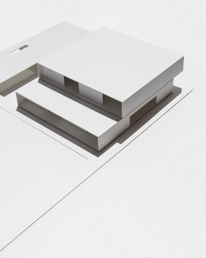 la-pinada-house-fran-silvestre-arquitectos-minimalist-contemporary-home-full-family-stories-covered-white-43