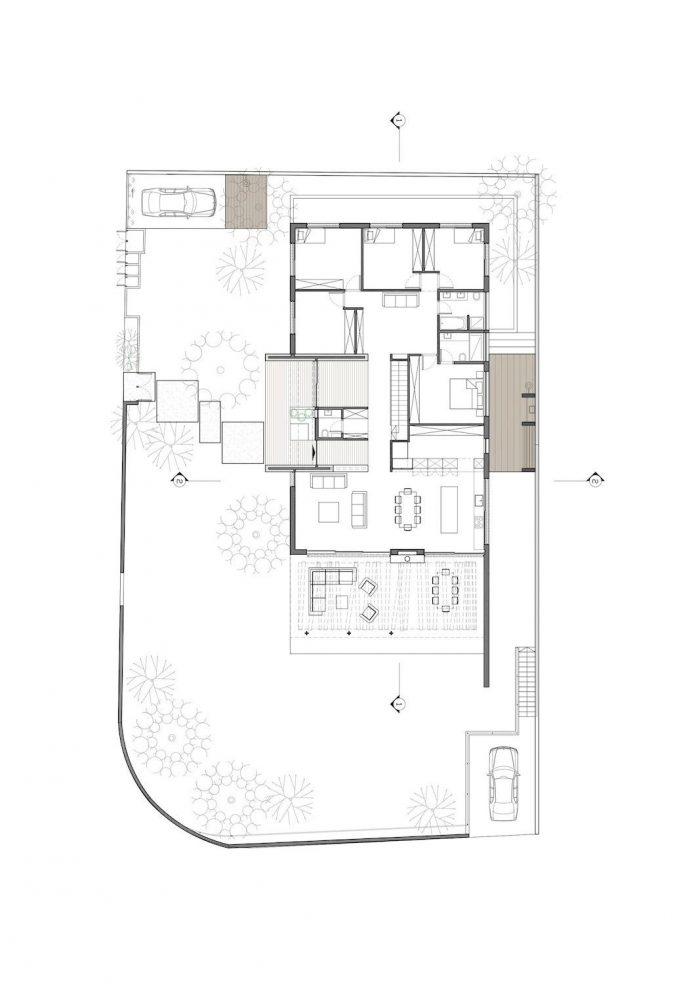 laho-residence-colourful-one-story-house-spread-across-corner-lot-13