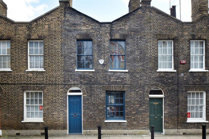 lambeth-marsh-house-conversion-creates-light-airy-space-because-contemporary-rear-side-extension-01