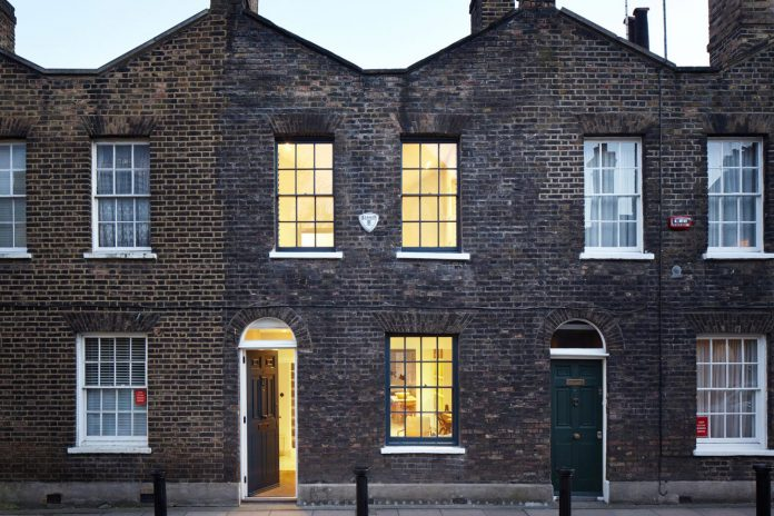 lambeth-marsh-house-conversion-creates-light-airy-space-because-contemporary-rear-side-extension-18