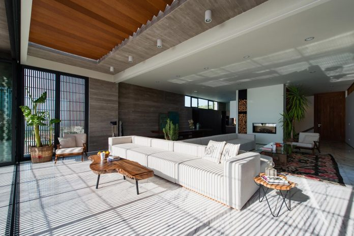 minimalist-home-design-approach-creating-variety-wide-open-spaces-can-used-depending-wind-weather-conditions-06