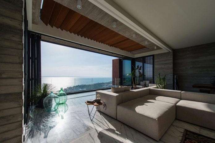minimalist-home-design-approach-creating-variety-wide-open-spaces-can-used-depending-wind-weather-conditions-07