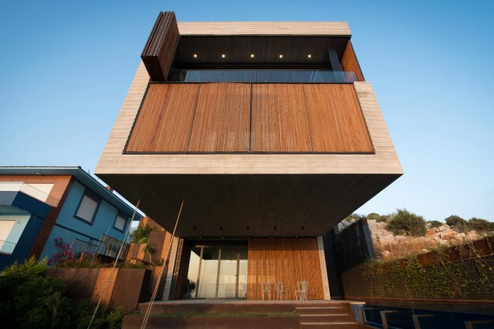minimalist-home-design-approach-creating-variety-wide-open-spaces-can-used-depending-wind-weather-conditions-08