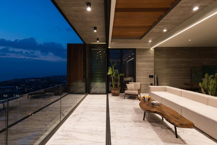 minimalist-home-design-approach-creating-variety-wide-open-spaces-can-used-depending-wind-weather-conditions-11