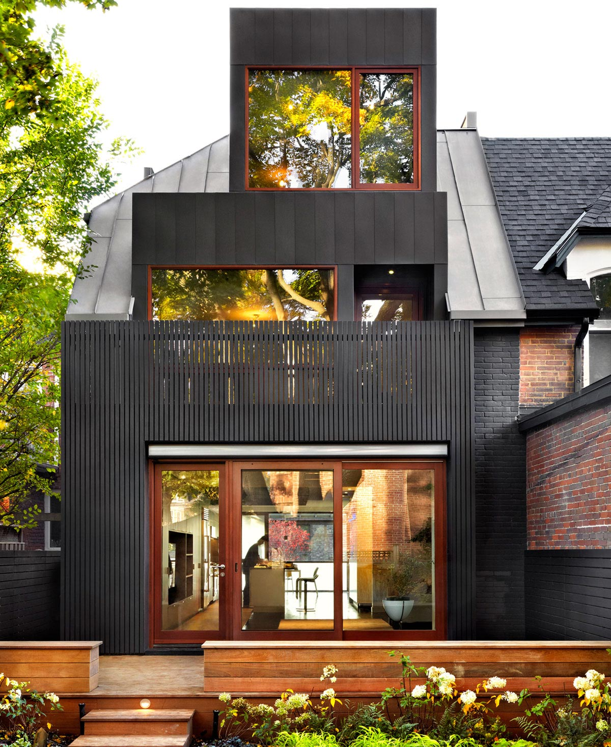 Modern Contemporary Design Blog: Modern Family Home Renovation And Addition To A