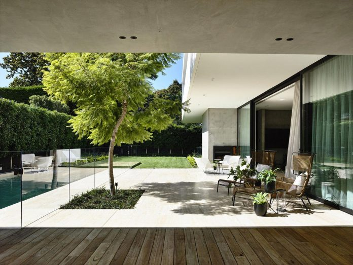 modern-home-designed-workroom-toorak-suburb-melbourne-02