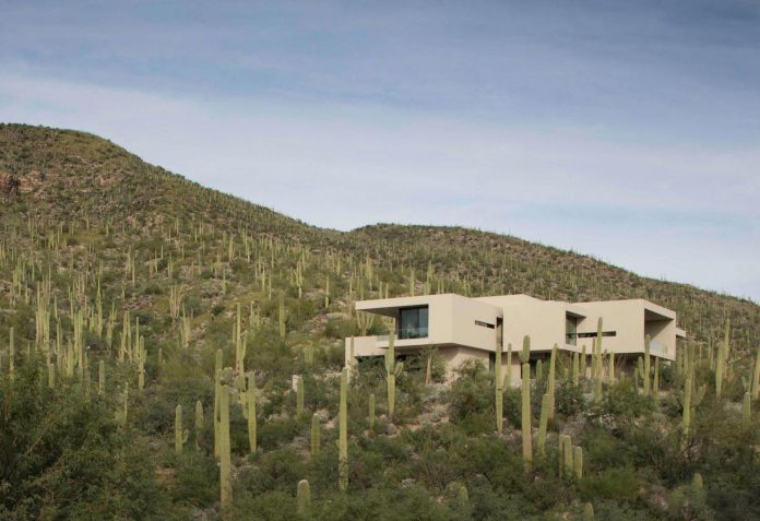 modern-minimal-home-pristine-box-seemed-landed-desert-foothills-tucson-arizona-02