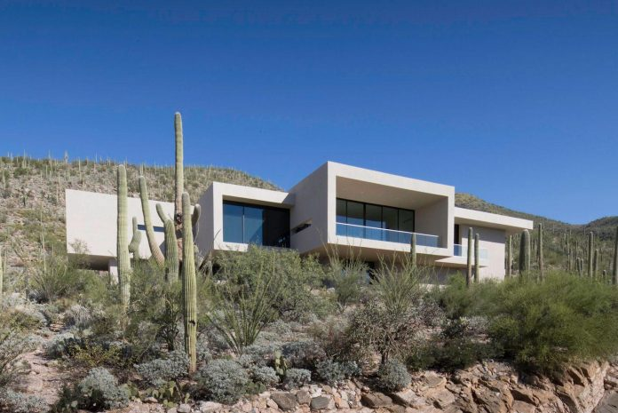 modern-minimal-home-pristine-box-seemed-landed-desert-foothills-tucson-arizona-03