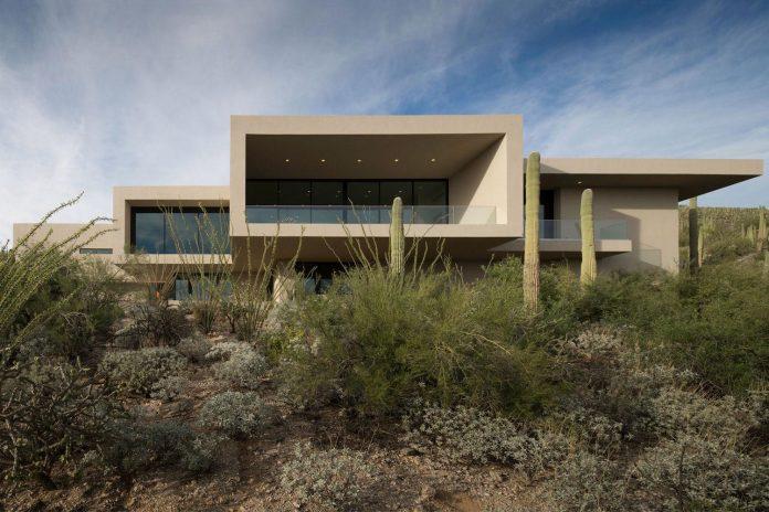 modern-minimal-home-pristine-box-seemed-landed-desert-foothills-tucson-arizona-04