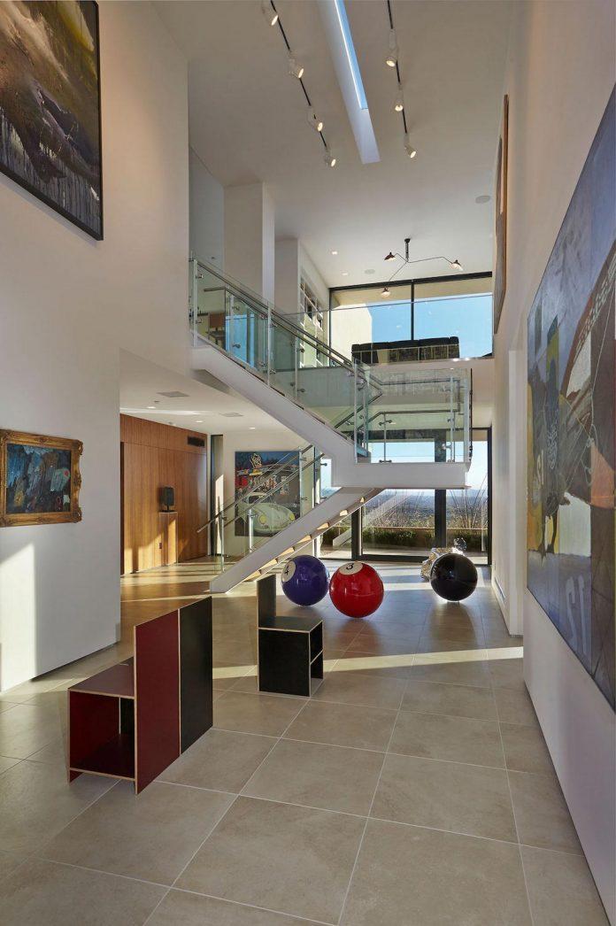 modern-minimal-home-pristine-box-seemed-landed-desert-foothills-tucson-arizona-08