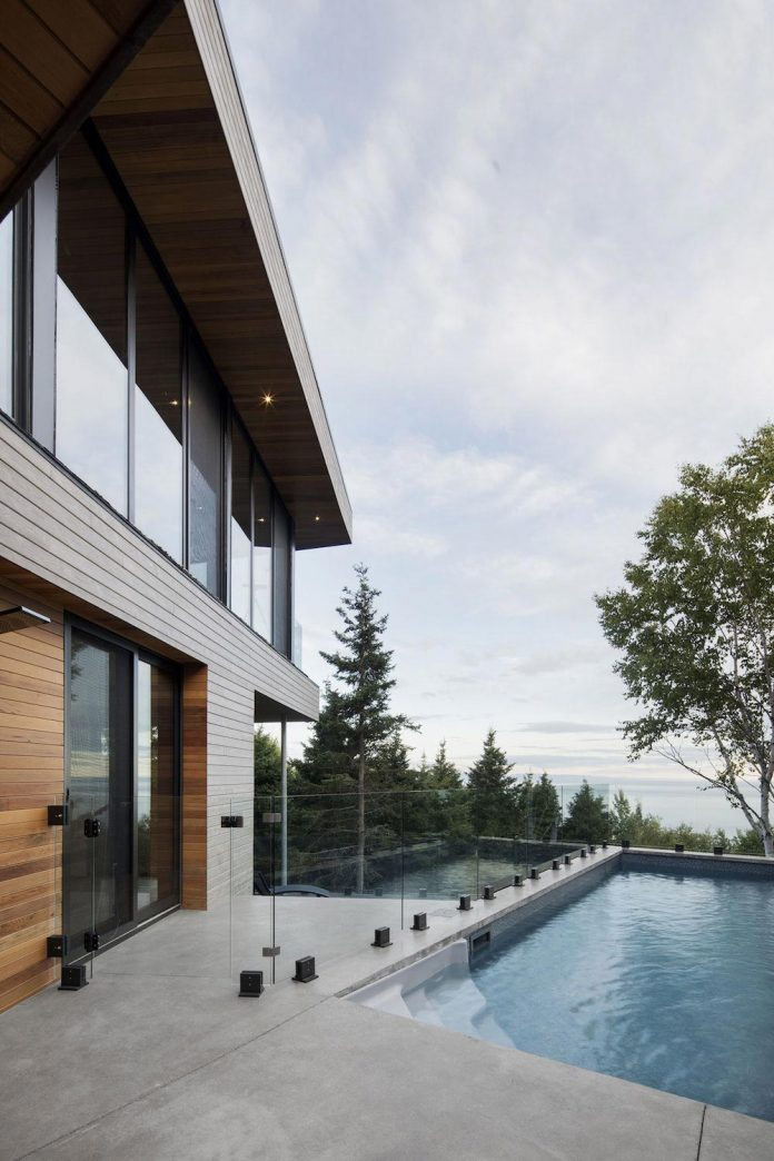 mountain-residence-cap-laigle-v-shape-long-facades-suspended-nature-02